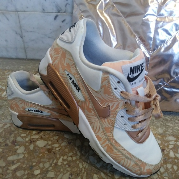 Nike AIR MAX 90 Rose Gold floral sneakers 8 OR 8.5